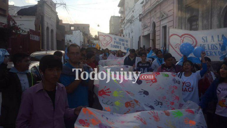 Docentes jujeños marchan está tarde contra la legalización del aborto