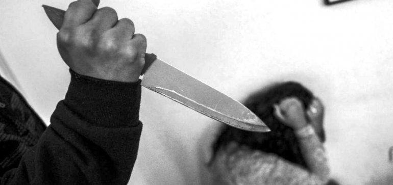 Intento de femicidio: apuñaló a su exesposa y luego se suicidó