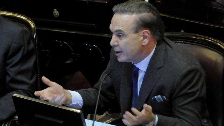 Pichetto presentó un proyecto de ley para excluir el impuesto a las Ganancias del aguinaldo