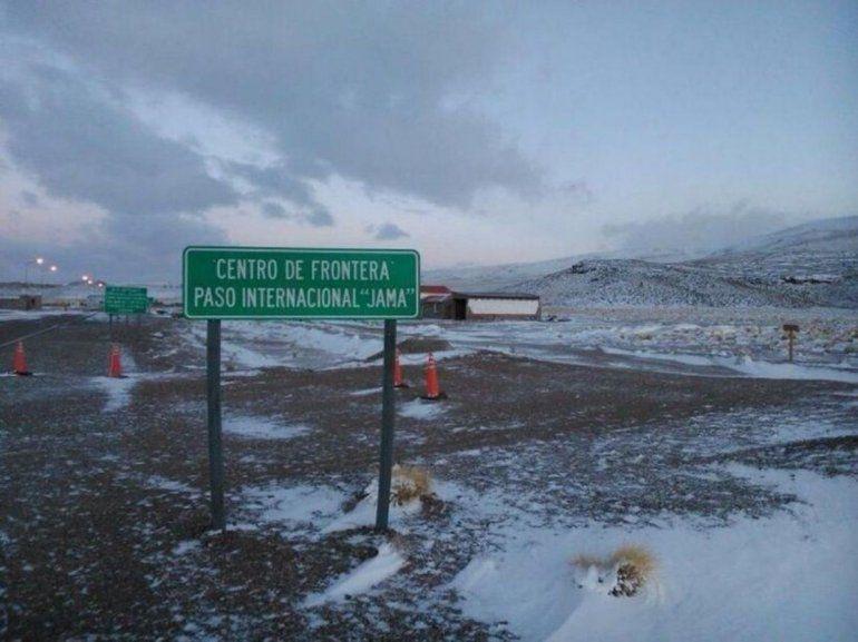 El paso de Jama continúa cerrado por acumulación de nieve y hielo sobre la ruta