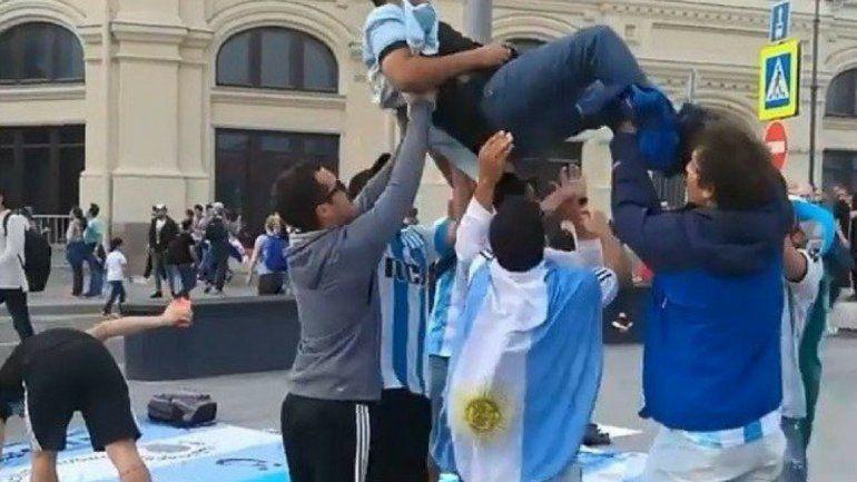 Los hinchas argentinos en Rusia ya tienen un nuevo curro