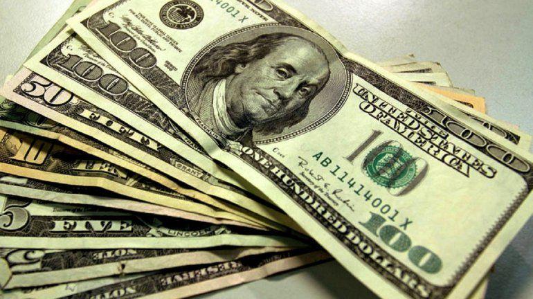 El dólar sube otra vez y en algunos bancos supera los $32