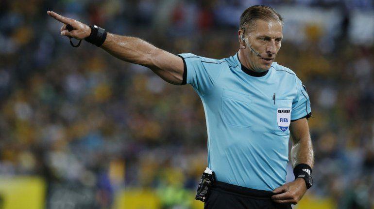 Nestor Pitana, el árbitro para Uruguay-Francia