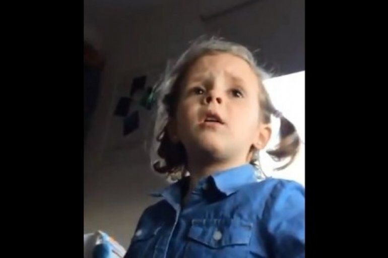 Ternura futbolera: una nena retó a su papá por decirle malas palabras a los jugadores