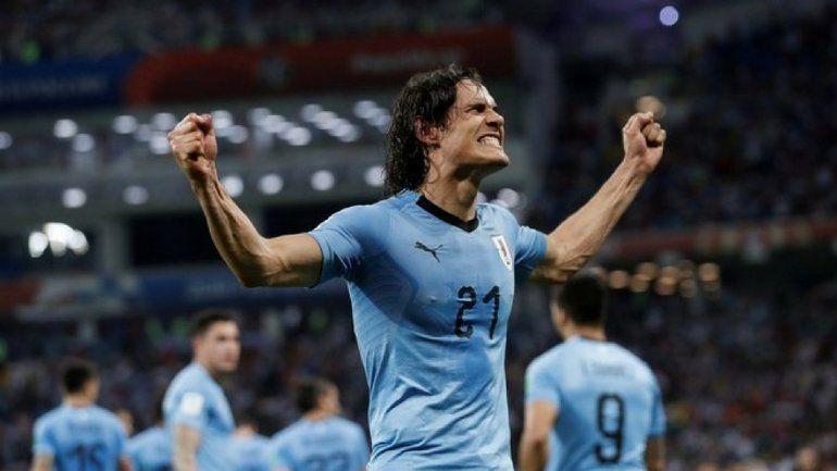 Uruguay, con dos goles de Cavani, le ganó a Portugal 2 a 1 y está entre los mejores 8