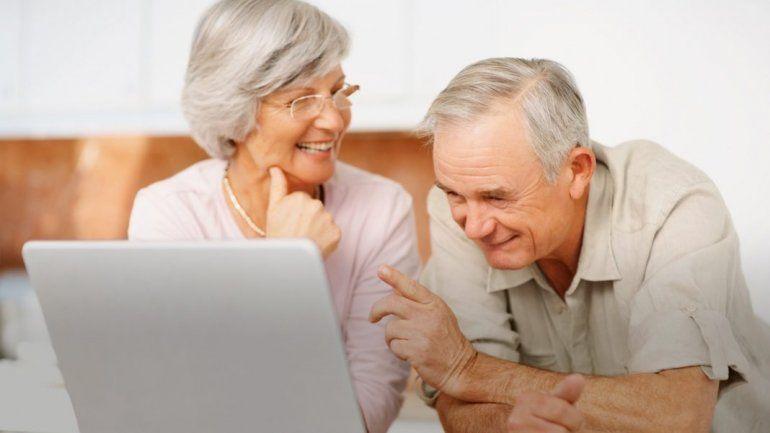 Impulsan a los jubilados a perder el miedo a la tecnología y realizar trámites on line