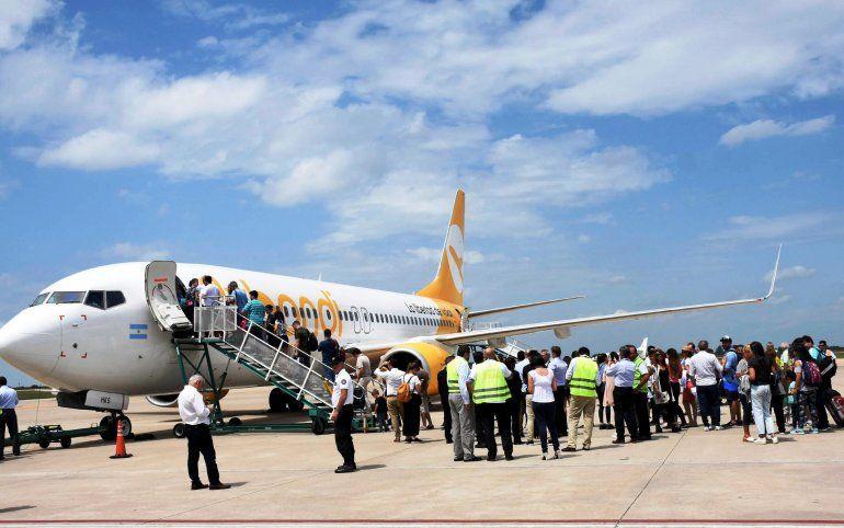Aerolíneas low cost bajarían hasta 70% en pasajes tras la quita del piso a los precios