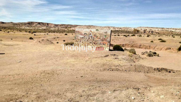 El espectacular mural que hicieron los alumnos de la escuela de Casira