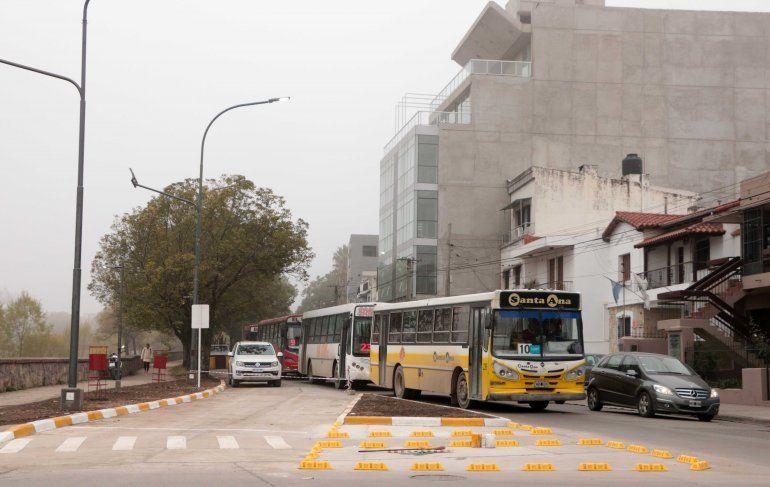 Habilitaron el nuevo carril selectivo para colectivos en la 19 de Abril