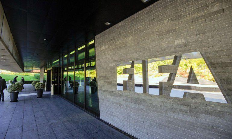 La desafortunada propuesta de la FIFA para los niños atrapados en la cueva de Tailandia
