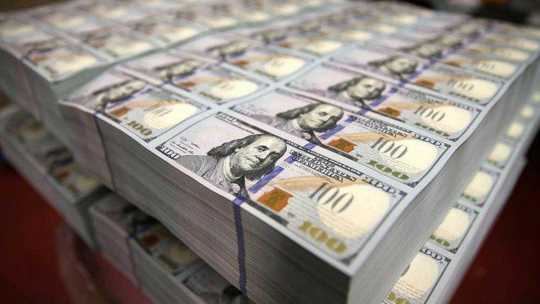 El dólar dejó la tendencia ascendente y en la semana cayó 95 centavos