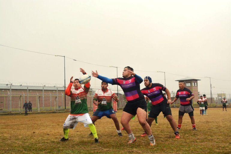 Se jugó el primer partido de rugby entre Internos del Penitenciario y Universitarios