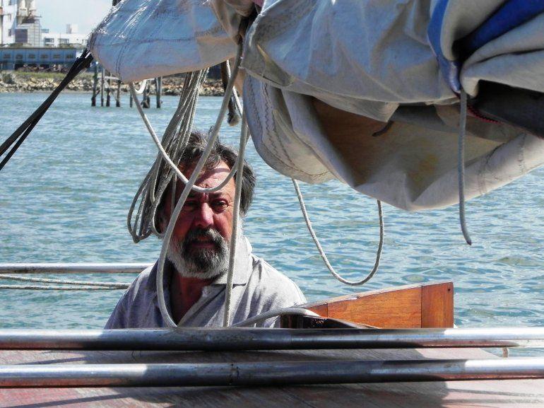 Apareció el velero con tres argentinos que era buscado desde hace diez días en Brasil
