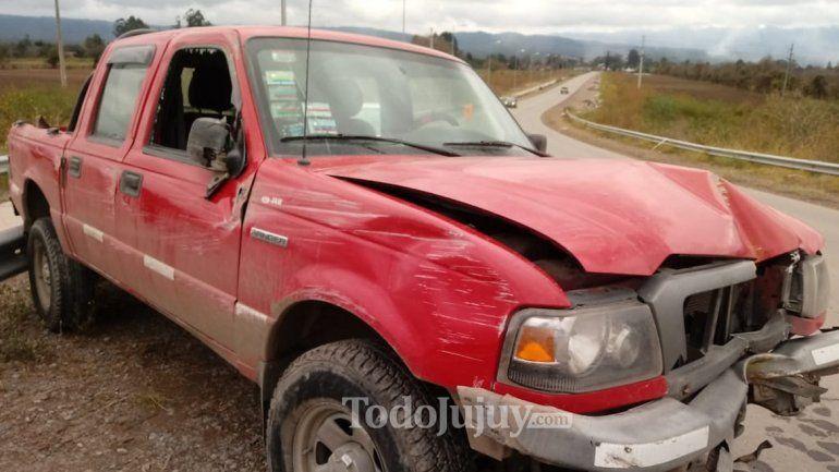 Pudo ser una tragedia: resultó con heridas tras colisionar con su camioneta