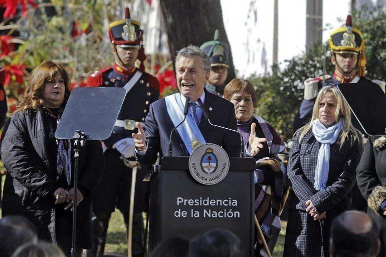Macri pidió a los gobernadores, empresarios y sindicalistas que hagan su aporte desde la sensatez