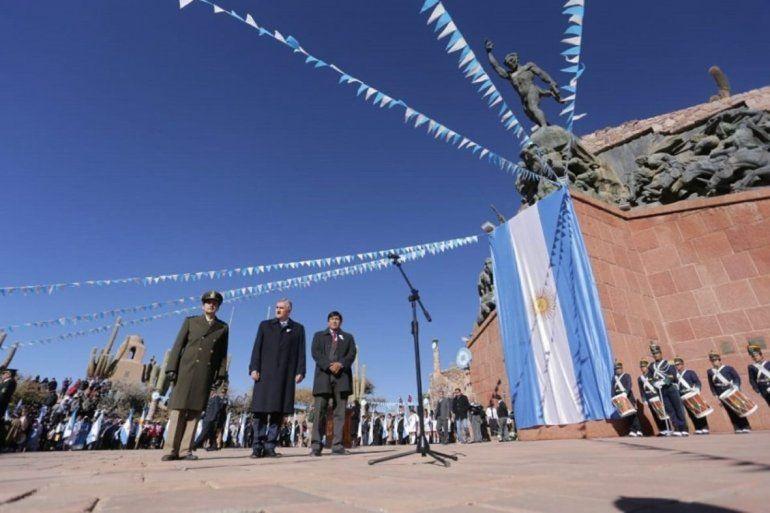Todos los actos por el 9 de julio serán en el Monumento a los héroes de la independencia