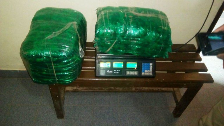 Casi 100 kilos de hojas de coca fueron secuestrados en el B° Almirante Brown