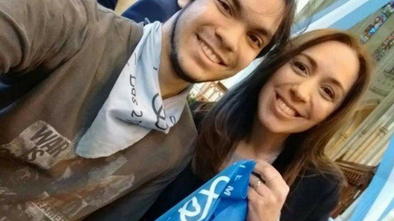 María Eugenia Vidal se mostró con el pañuelo celeste de la campaña por las dos vidas contra el aborto