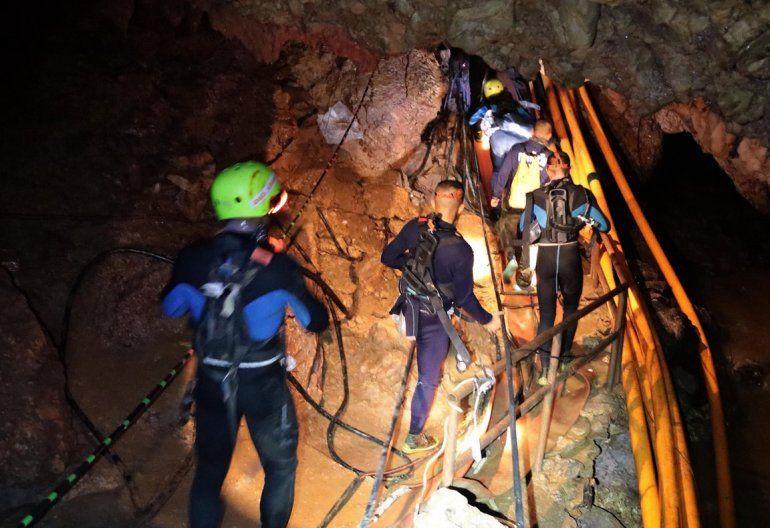 Tailandia: rescataron a todas las personas que estaban atrapadas en la cueva