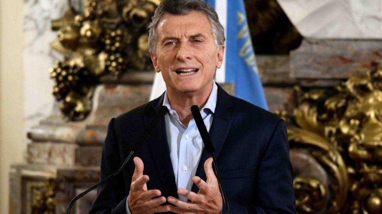 Recortes en el Estado: Macri firmó un decreto para frenar ingresos, designaciones y viáticos en Nación