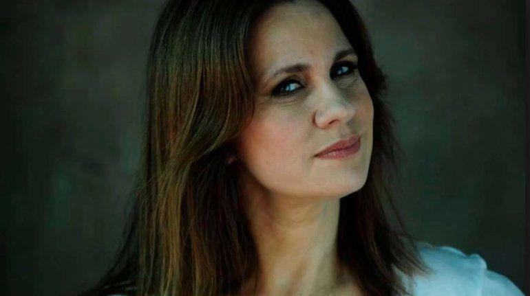 Nancy Dupláa apareció con un pañuelo verde en la novela y estalló la polémica