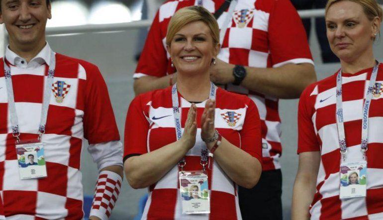La presidente de Croacia se descontó el sueldo por acompañar a su selección