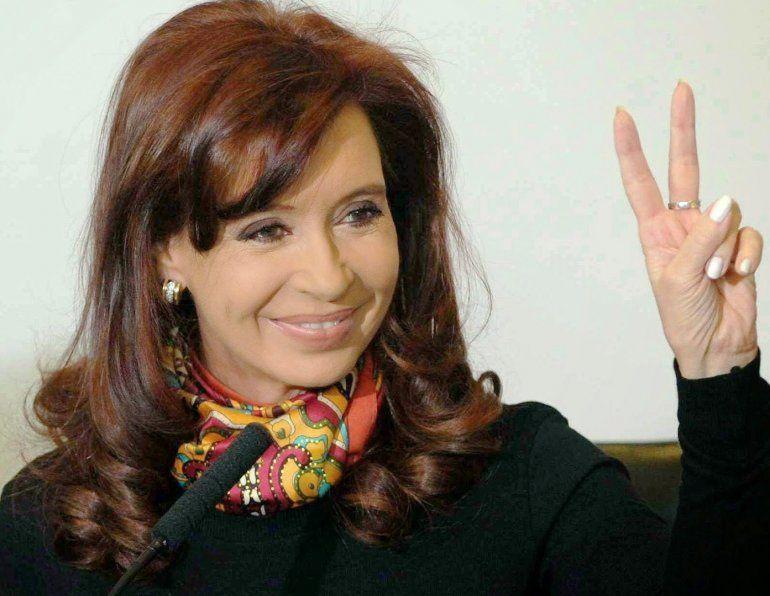 Un paso más para allanar las propiedades de Cristina Kirchner: El Senado emitió dictamen favorable para la autorización