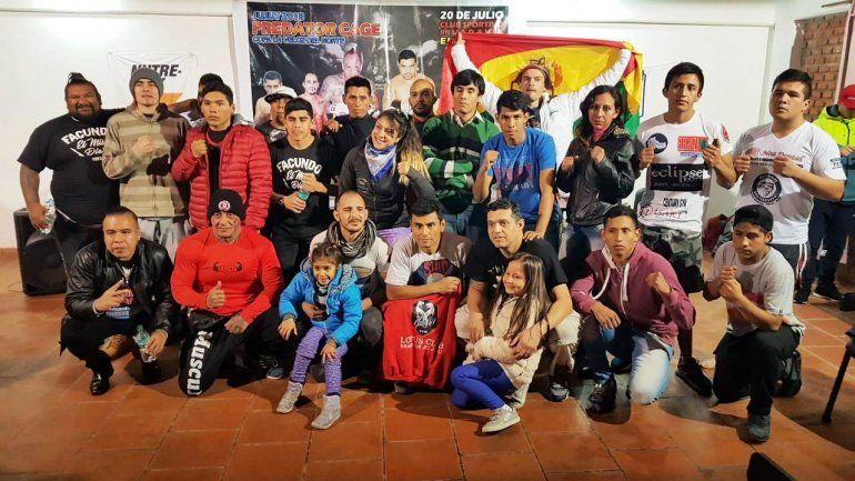 Festival del Predator Cage con diez peleas en jaula de MMA en El Carmen