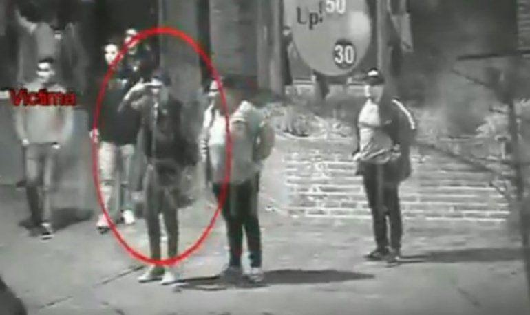 Difunden el video del momento en que apuñalan al ex arquero de Almagro