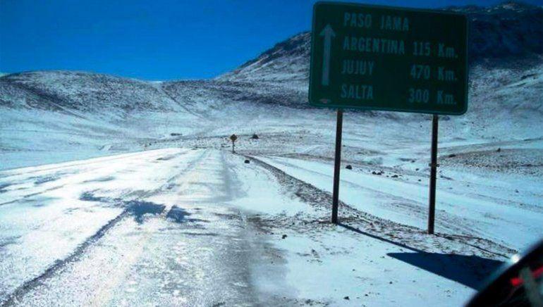 Jama sigue cerrado por acumulación de nieve del lado chileno