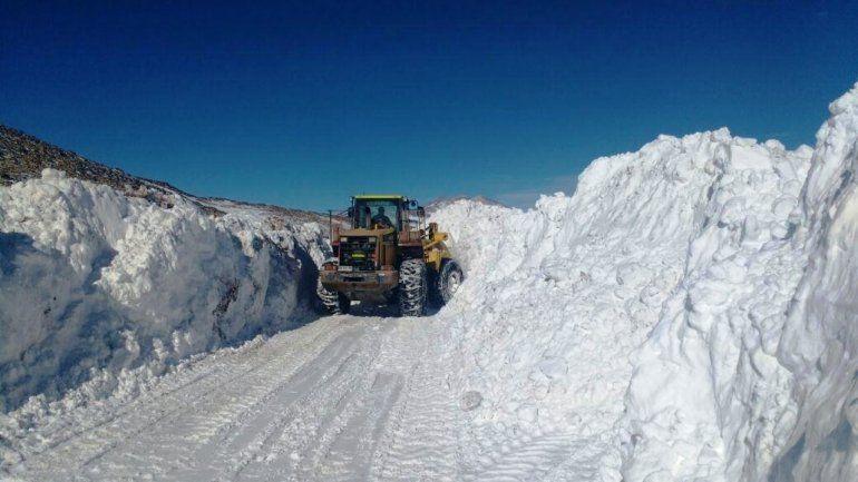 Más nieve en la zona chilena impide la apertura del Paso de Jama