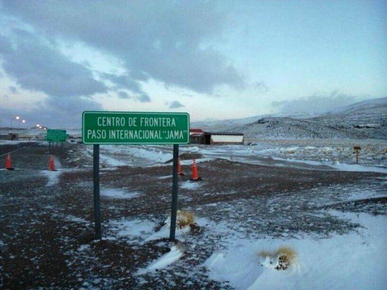 Continúa cerrado el Paso de Jama por acumulación de nieve