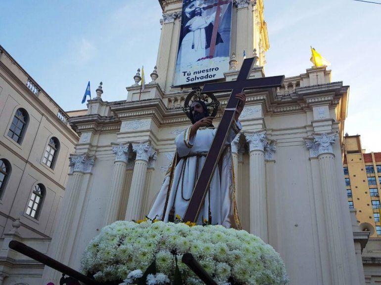 Hoy no se podrá estacionar en el centro por la procesión del Santísimo Salvador