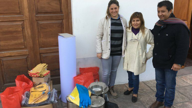 Ledesma entregó elementos a estudiantes de escuelas de Libertador y Vinalito