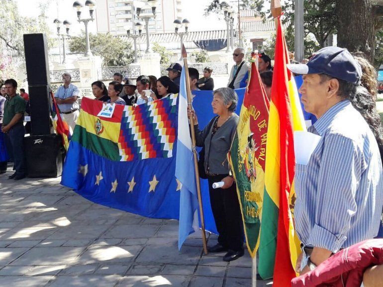 Acto, desfile y cultura por los 193 años de la Independencia de Bolivia