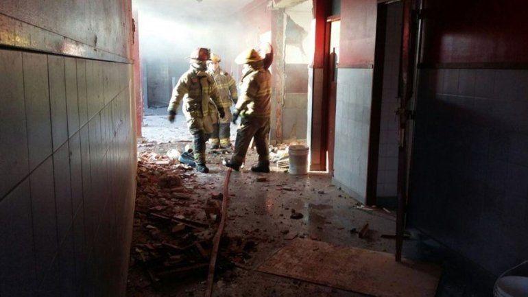 Tragedia en una escuela: explotó una estufa y murieron dos personas