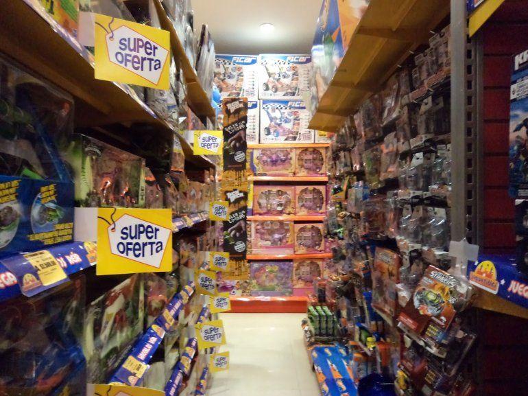 Se presentó una canasta de juguetes a menor precio para el día del niño