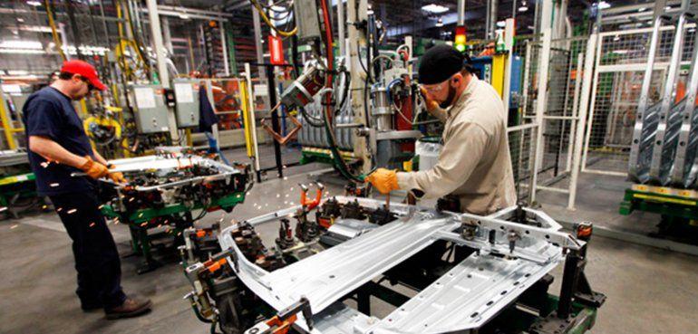 La actividad económica cayó 11,5% interanual en marzo