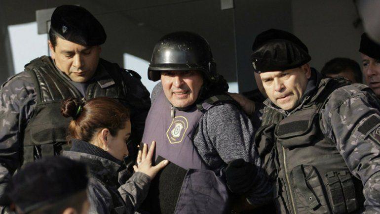 Condenan a José López a seis años de prisión