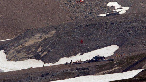Se estrelló un antiguo avión que realizaba vuelos turísticos: murieron 20 personas