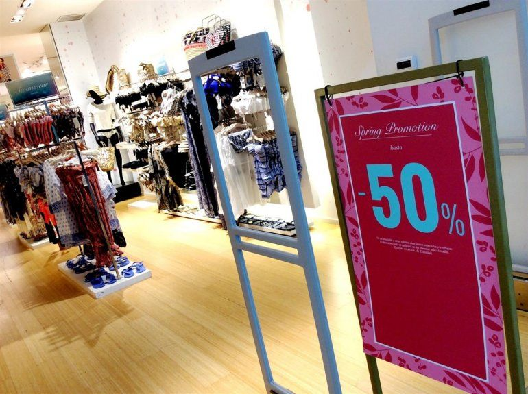 En julio, pese a las vacaciones, cayeron las ventas minoristas