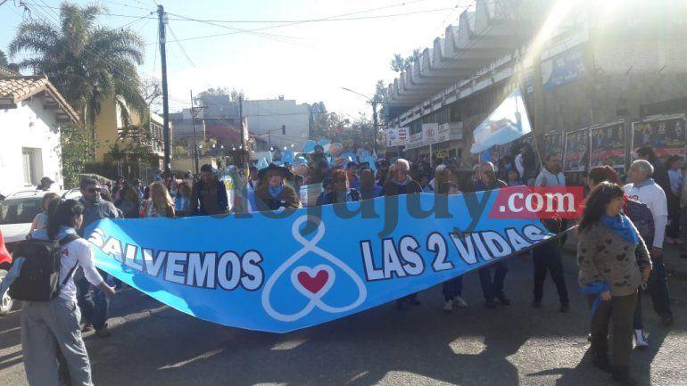 Una multitudinaria marcha celeste se llevó adelante en las calles céntricas de la ciudad