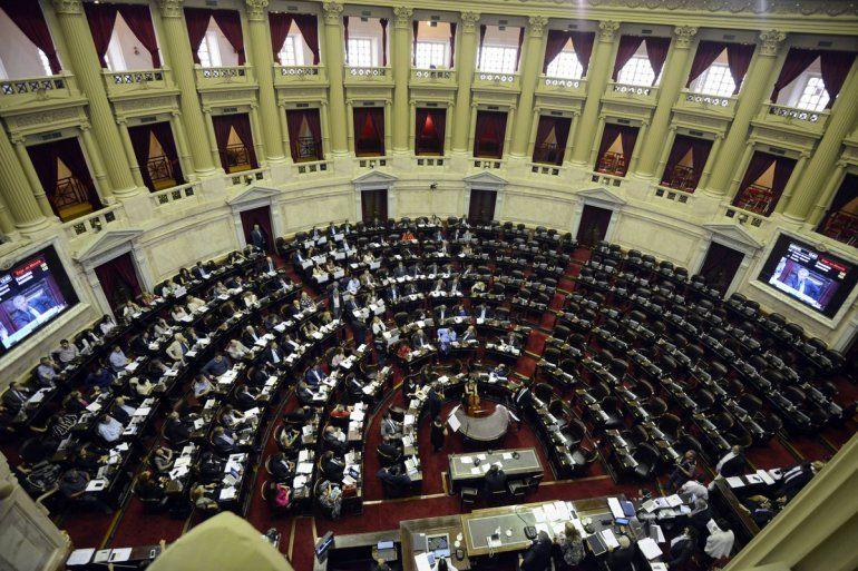 La oposición no logró quórum para derogar la reforma de las Fuerzas Armadas