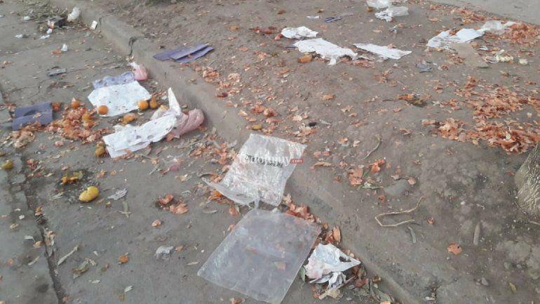 Palpalá: vecinos indignados por el estado en que queda el barrio después de la feria