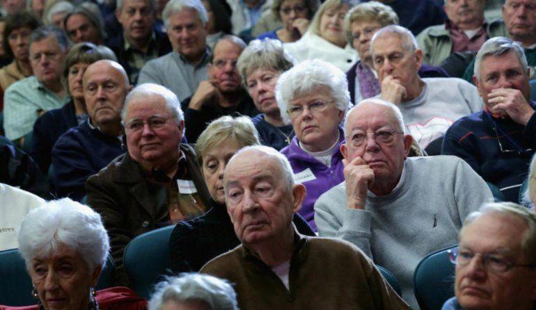 Apenas 3 de cada 10 jubilados logran cubrir la canasta básica de los abuelos que es de $21 mil