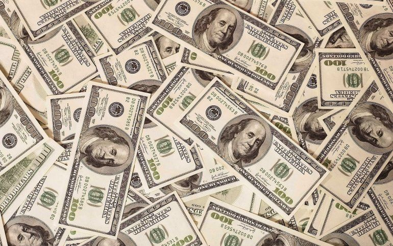 El dólar siguió subiendo y superó por primera vez los $32