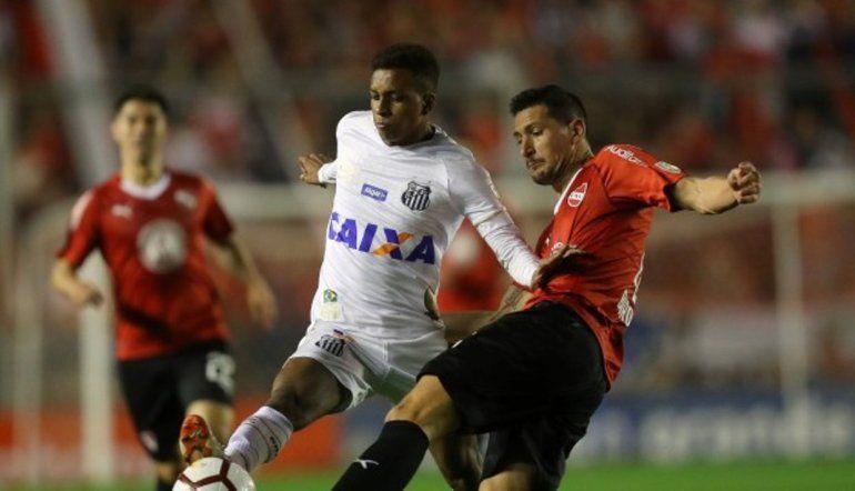 Independiente luchó hasta el final pero no pudo contra Santos de Brasil