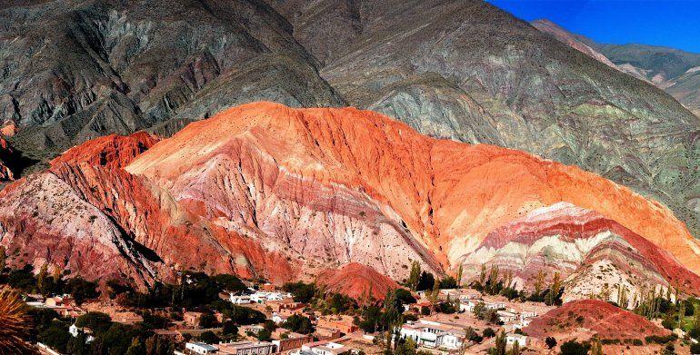 Conflicto en el Cerro de 7 Colores: no pueden continuar las obras hasta que se resuelva un amparo judicial
