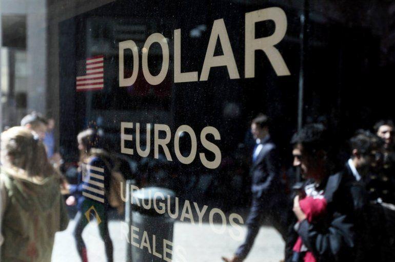 Las monedas emergentes se devaluaron y el dólar se acercó a $31