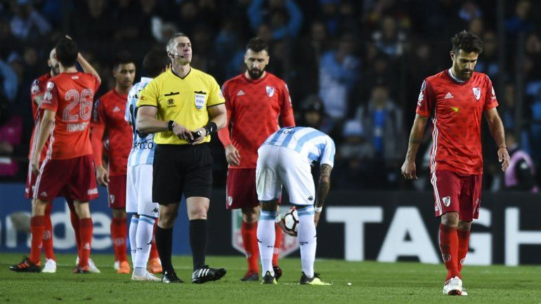 Racing va a pedir la eliminación de River de la Libertadores